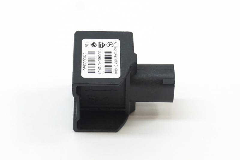 Mercedes-Benz 1635420618 Acceleration Sensor
